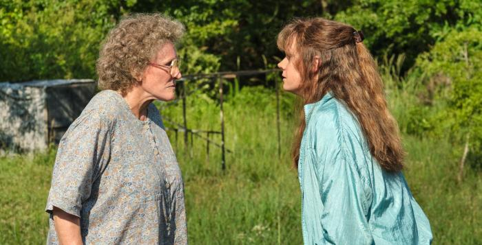 "Glenn Close and Amy Adams in ""Hillbilly Elegy"""